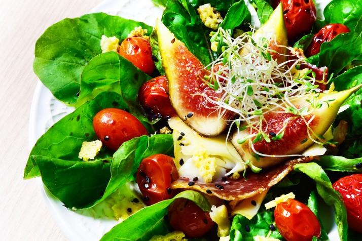 01_Salada de Rúcula com Tomate Confiti e Figo Fresco